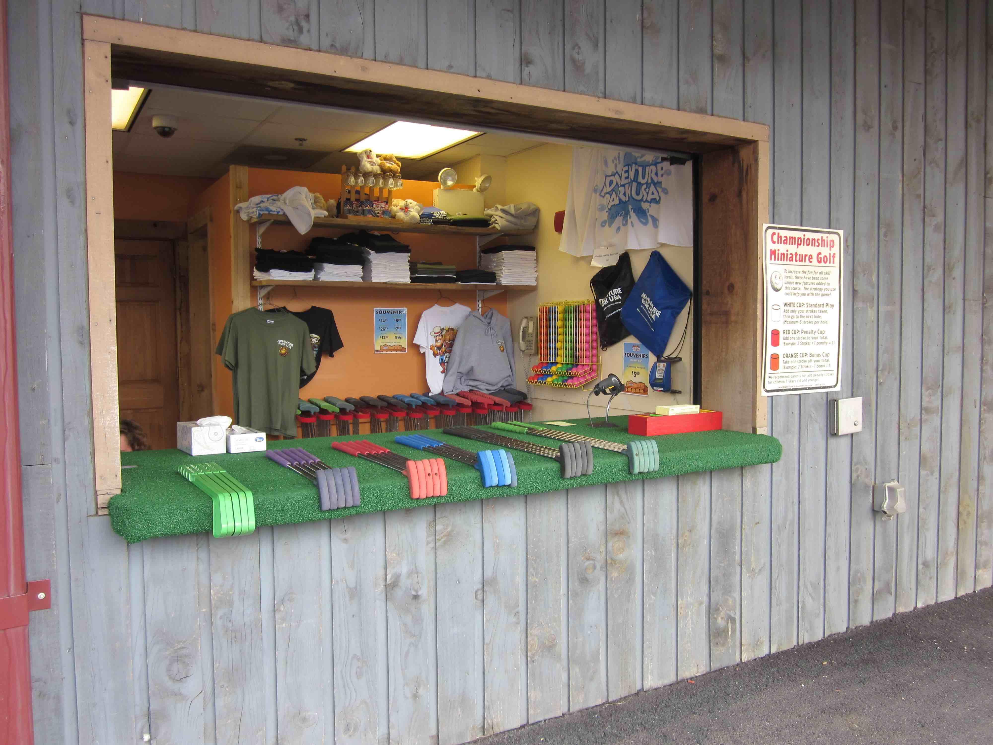 how to start an indoor miniature golf business